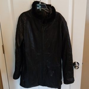 Leather jacket with faux fur collar am